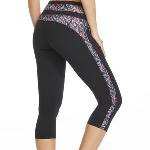 Fabletics NWT Camacan XS Athletic Workout Capri